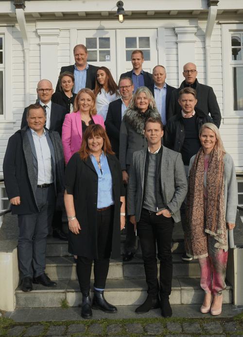 Lóa atvinnulífið höfði